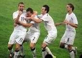 图文:[奥运会]中国国奥1-1新西兰 振臂高呼