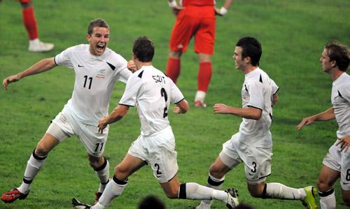 图文:[奥运会]中国国奥1-1新西兰 进球不易