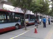 组图:北京奥运开幕日 大屯公交站秩序井然