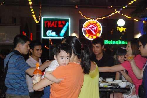 深圳市民酒吧街观奥运4