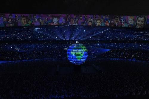 图文:开幕式梦想 刘欢莎拉布莱曼主唱6