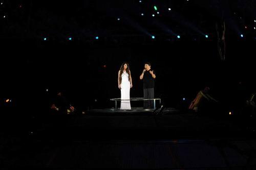 图文:开幕式梦想 刘欢莎拉布莱曼主唱5