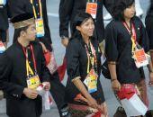 图文:北京奥运会运动员入场式 印度尼西亚代表