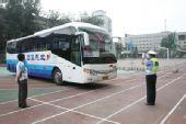 组图:北师大实验中学奥运场馆 用微笑宣传北京