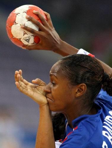 中国 手球/2008年8月9日,2008年北京奥运会女子手球A组,法国vs安哥拉。...