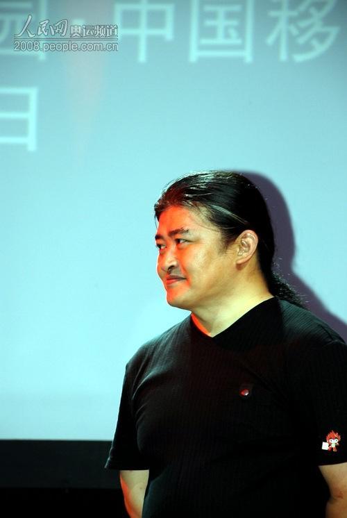 刘欢在2008北京奥运会主题歌MV发布暨无线音乐首发仪式上