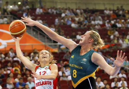 图文:[女篮]澳大利亚VS白俄罗斯 封锁突破