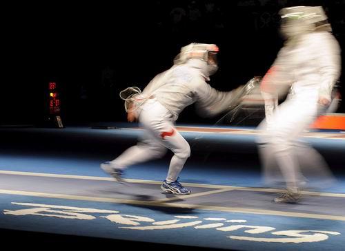 图文:女子佩剑比赛 比尔尼vs维克夫斯卡攻防