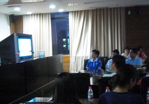 中国人民大学学子集中观看奥运开幕式