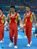图文:中国男子团体资格赛 陈一冰和肖钦