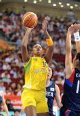 图文:女篮小组赛韩国胜巴西 丹塔斯上篮