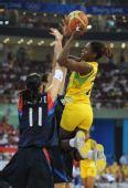 图文:女篮小组赛韩国胜巴西 巴西强势上篮