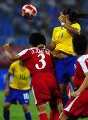 图文:[女足]巴西VS朝鲜 克里斯蒂亚内争顶