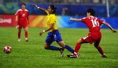 图文:[女足]巴西VS朝鲜 席尔瓦进攻受阻