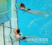 图文:女子双人三米板郭/吴卫冕 结束动作