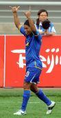 图文:巴西VS新西兰 罗纳尔迪尼奥庆祝进球