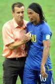 图文:巴西5-0新西兰 邓加庆祝胜利