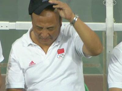 中国国奥对阵比利时,殷铁生场边遗憾 4