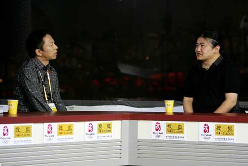 刘欢接受张朝阳专访。唐怡民摄