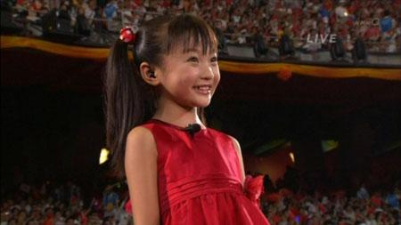 开幕式演唱《歌唱祖国》的可爱小女孩——林妙可