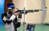 图文:男子10米气步枪决赛 印度选手状态神勇