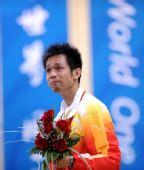 图文:朱启南泪洒奥运场 满含热泪