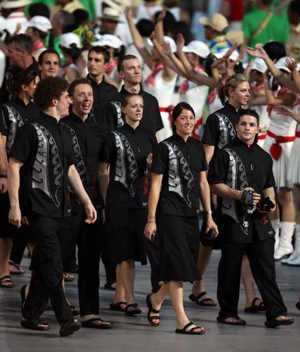 crocs成就新西兰奥运团的黑色经典时尚