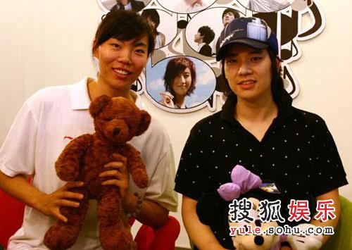 李萍(左)黄鑫(右)