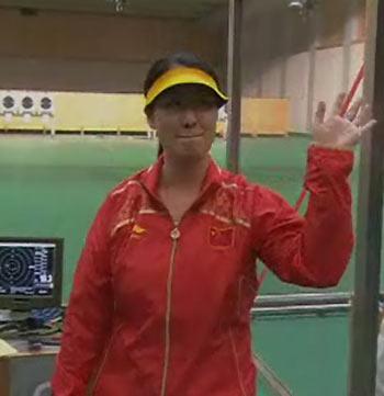 图文:[夺金时刻]陈颖获女子25米手枪冠军
