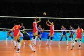 图文:中国女排VS古巴 接发球快攻