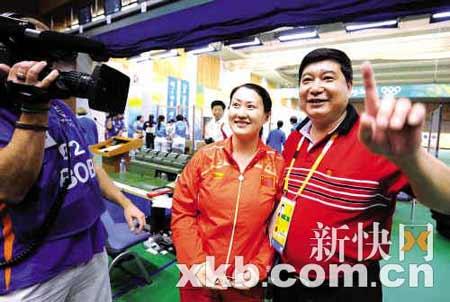 """陈颖的教练王义夫为弟子的精彩表现喝彩,""""她今天的表现非常的出色,我很满意。"""""""