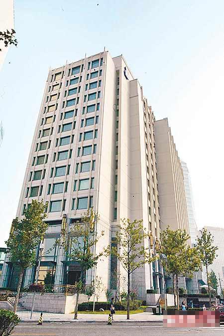 伊能静在北京租住于朝阳区上的华贸大厦,20坪大小,每月租金9500元