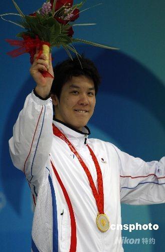 8月10日,韩国选手朴泰桓以3分41秒86获得男子400米自由泳金牌 ,这也是韩国奥运历史上第一枚游泳项目金牌。 中新社发 杜洋 摄