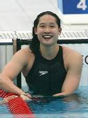 图文:女子200米蝶泳刘子歌摘金 笑容灿烂