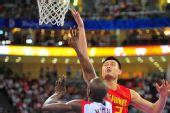 图文:[奥运会]中国男篮85-68安哥拉 姚明挑篮