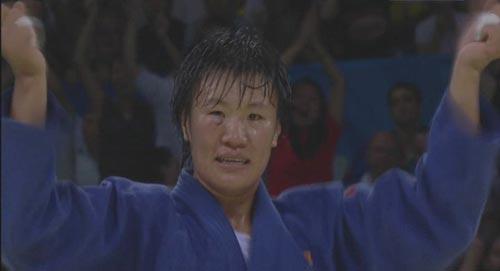 图文:[夺金时刻]杨秀丽柔道女子78公斤级夺冠
