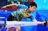 图文:[女团]中国队全胜晋级四强 郭跃奋力回球