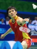 图文:李炫一2-0鲍春来 网前挑球