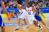图文:[男篮]美国VS希腊 穿插跑位