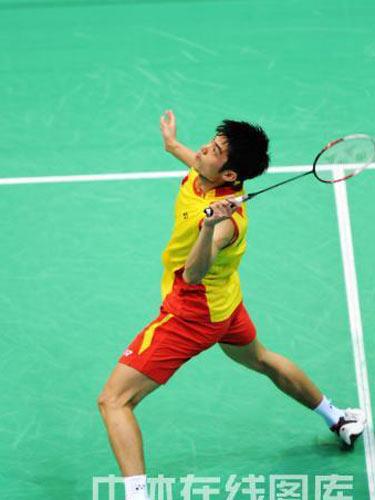图文:羽毛球男单林丹晋级四强  奋力拼杀