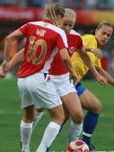 图文:女足1/4决赛巴西2-0领先挪威 以一敌二