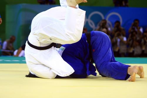图文:佟文78公斤以上级夺金 获胜瞬间