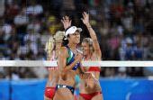 图文:沙滩排球女子16强 巴西队为失分而懊恼
