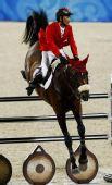 图文:奥运马术场地障碍赛 中国骑手李振强比赛