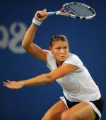 图文:网球女单萨芬娜战胜扬科维奇 大力挥拍