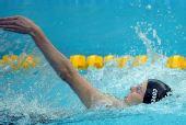 图文:200米仰泳决赛 津巴布韦选手考文垂前行