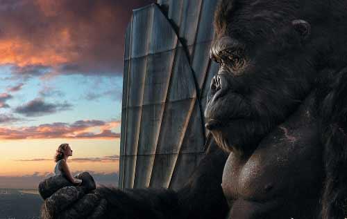 丑陋而强大的猩猩金刚爱上了白衣飘飘的美女安