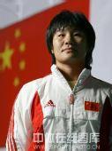 明星相册:中国柔道队队员杨秀丽写真 凝视前方