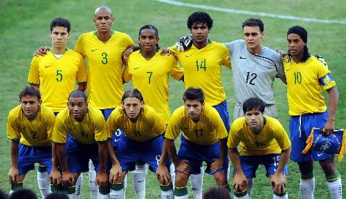 图文:巴西对阵喀麦隆 巴西队首发