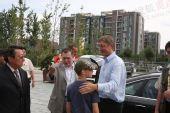 组图:奥运村贵客不断 匈牙利总理久尔恰尼到访